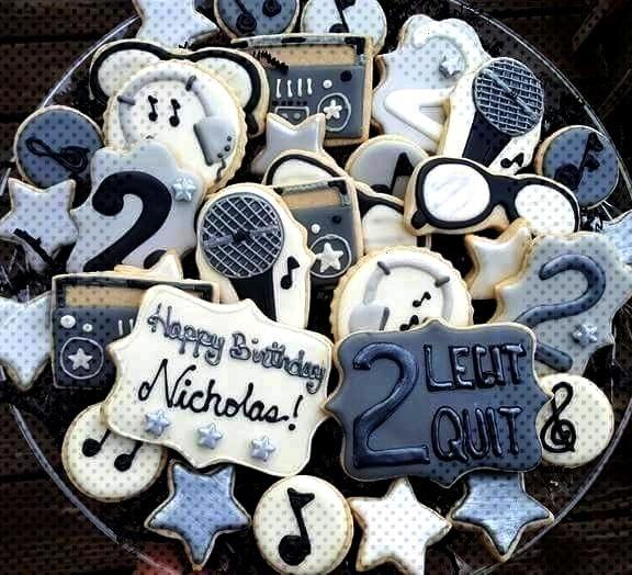 sugar cookies mc hammer 2 legit 2 quit birthday 80s - Didem Celik -decorated sugar cookies mc hamme