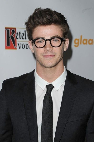 a man with glasses is hot. Why? coz I'm wearing one