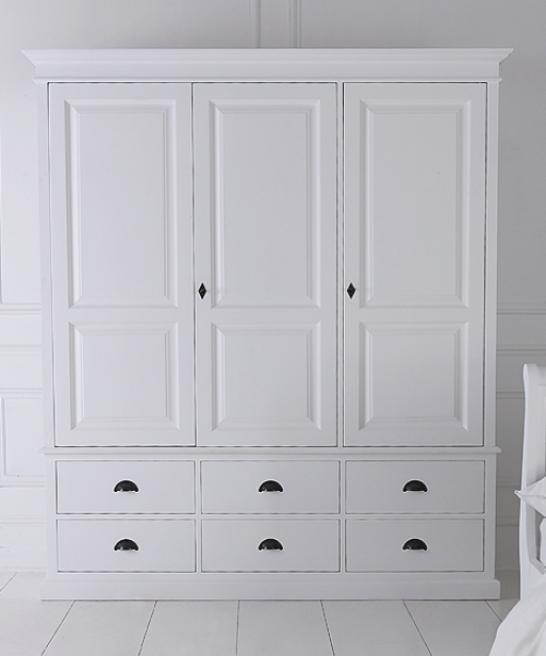 White Wardrobe With Drawers Giving An Elegant Look Darbylanefurniture Com In 2020 Bedroom Built In Wardrobe Wardrobe Drawers Wardrobe Cabinets