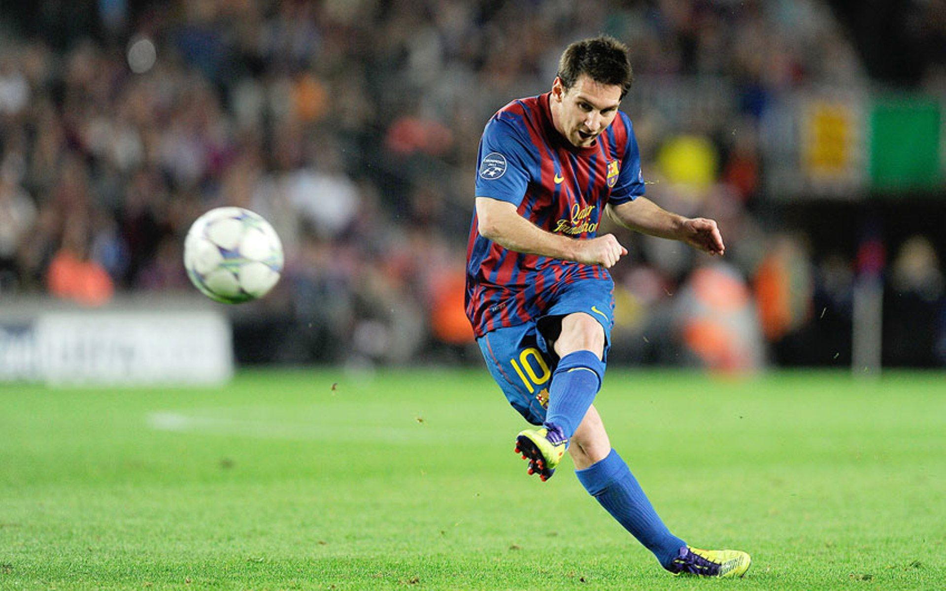 Lionel Messi Shooting Sport Wallpapers Hd Lionel Messi Lionel Messi Posters Messi