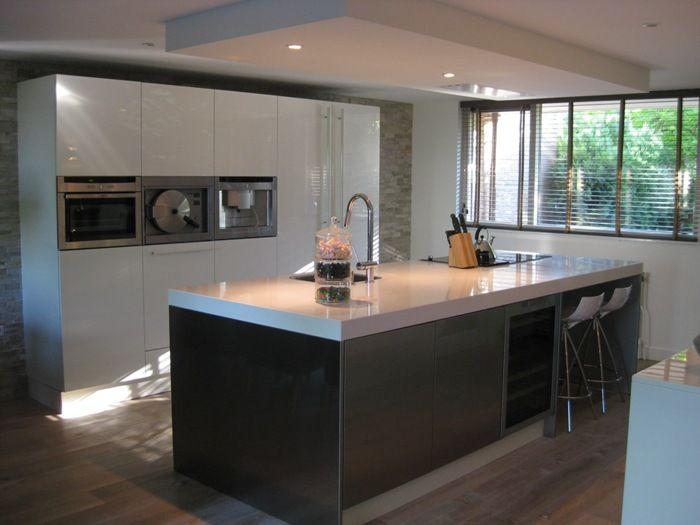 Plafond Afzuigkap Keuken : De afzuigkap bij deze design keuken is ingebouwd in het verlaagde