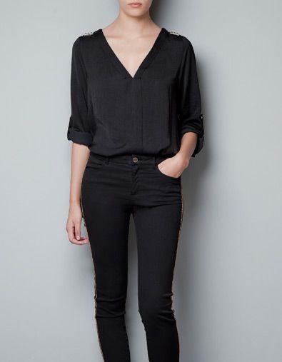el precio se mantiene estable diseño elegante bonita y colorida BLUSA SEDA TACHUELAS HOMBRO - Camisas - Mujer - ZARA ...