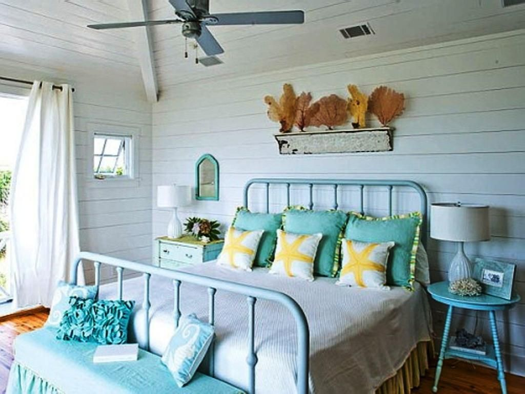 Rustic beach themed bathroom - Beach Hut Themed Bedroom