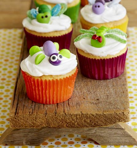 Crawling Critter Cupcakes Make Baking Fun And Let Your Kid Help