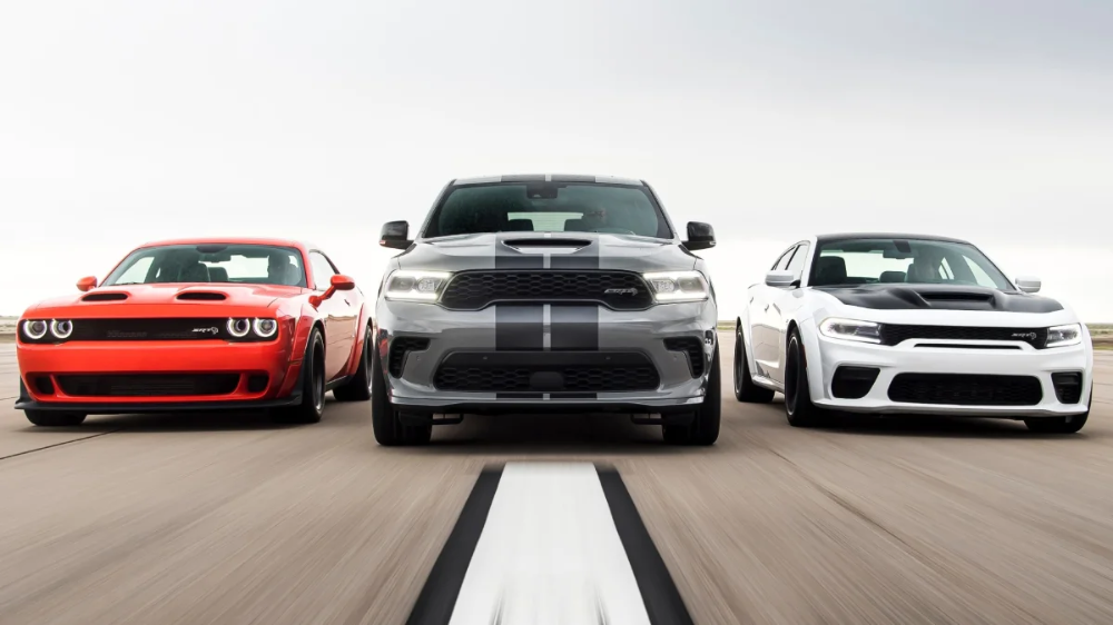 Dodge Just Introed Durango Hellcat 203 Mph Charger Redeye And A Challenger Demon Successor In 2020 Durango Hellcat Dodge Hellcat