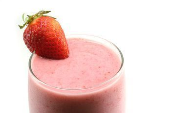 How to Make a Chocolate Strawberry Smoothies #chocolatestrawberrysmoothie Learn how to make a strawberry smoothie with this easy recipe. Discover more recipes for strawberry smoothies.othies. #chocolatestrawberrysmoothie How to Make a Chocolate Strawberry Smoothies #chocolatestrawberrysmoothie Learn how to make a strawberry smoothie with this easy recipe. Discover more recipes for strawberry smoothies.othies. #chocolatestrawberrysmoothie How to Make a Chocolate Strawberry Smoothies #chocolatestr #chocolatestrawberrysmoothie