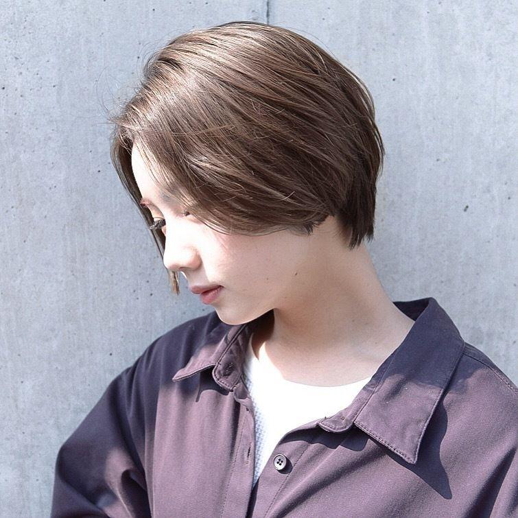 前髪なし のショートボブスタイルで大人女性にイメージチェンジ