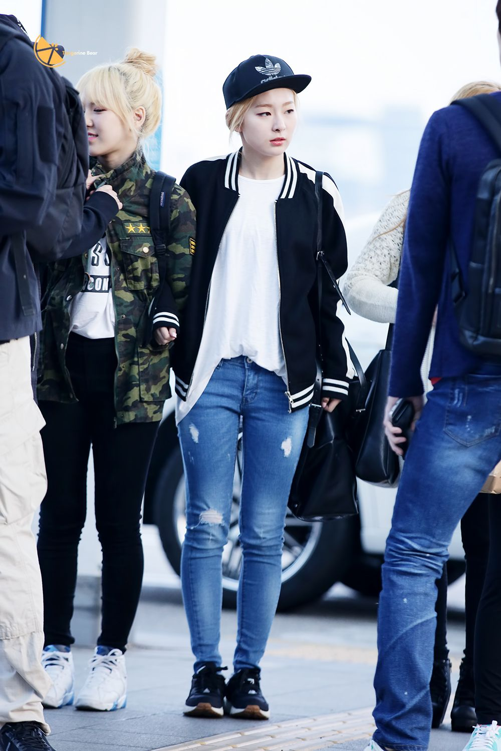 Red Velvet Wendy Seulgi Airport Fashion 150410 2015 Kpop Fashion Velvet Fashion Korean Airport Fashion