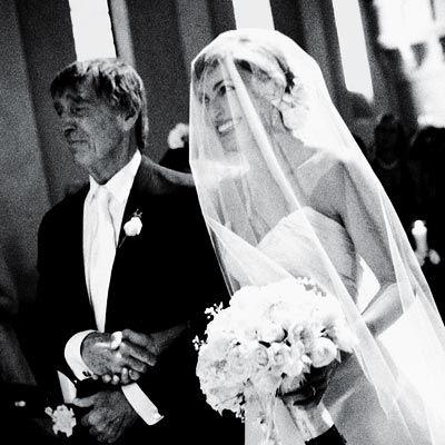 Mariska with her father mickey hargitay on her wedding day for Mariska hargitay mother and father