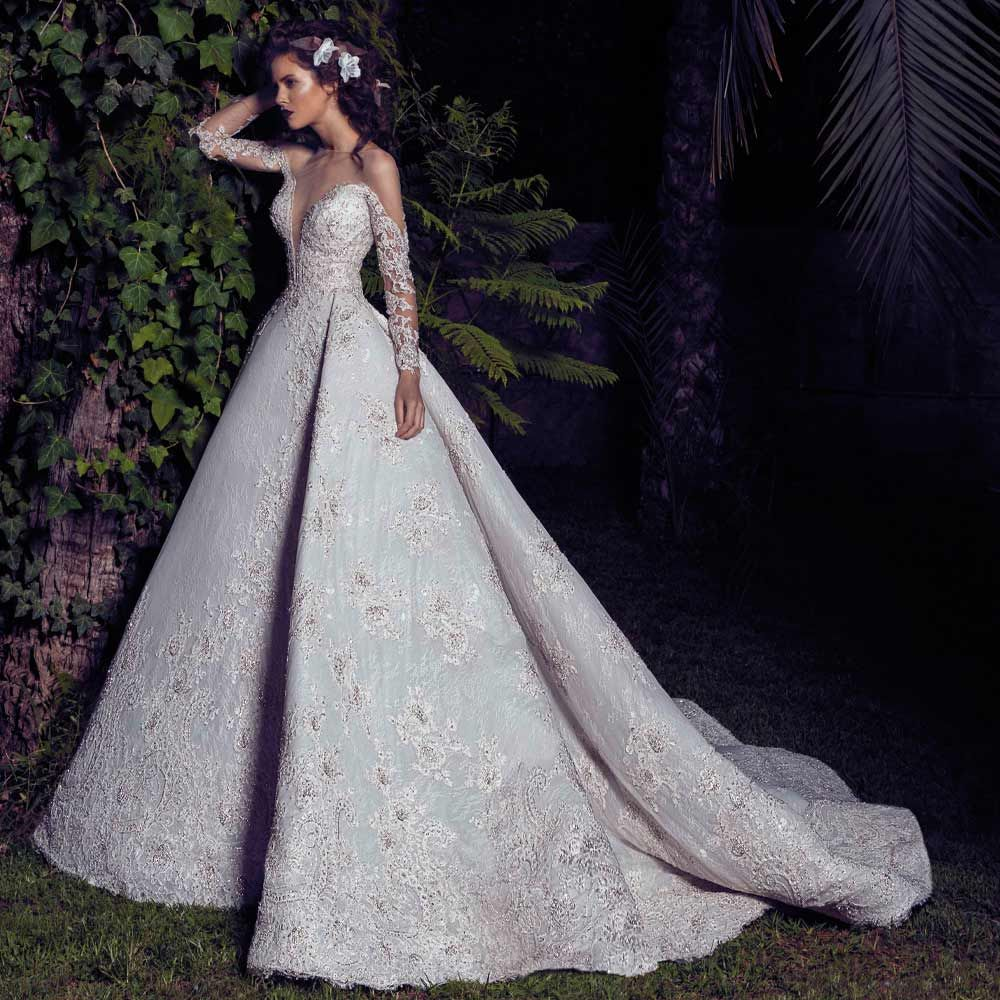 Another prodigious wedding dress from \