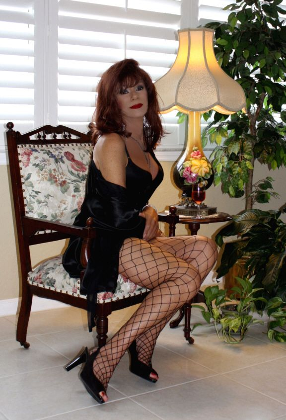 penelope cougars dating site The largest cougar dating site for older women dating younger men or young guys dating older women - date a cougar, an old woman, a younger man and join the cougars meet free now.