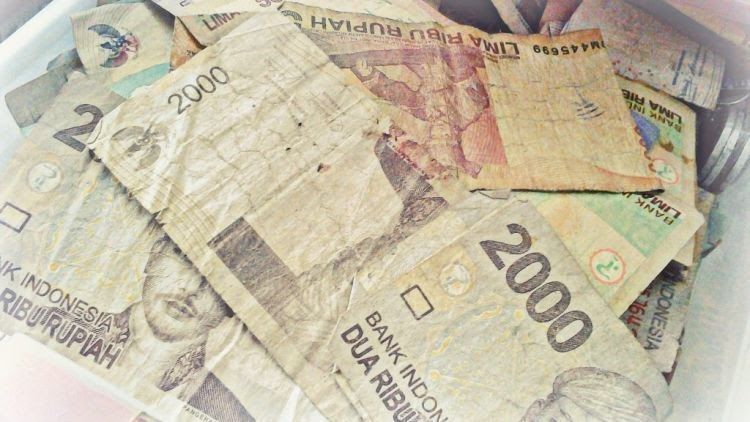 Cari Gambar Uang Malangnya Uang Kertas Indonesia Yang Lecek Walaupun Nilainya Tak Peruri Uang Kertas Logam 4 Uang Rupiah Tak Laku Usai Uang Gambar Pecahan