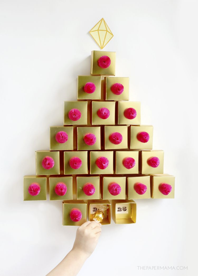 2015 Day 36 Christmas Decor: Golden Tree Advent Calendar DIY (with printables)