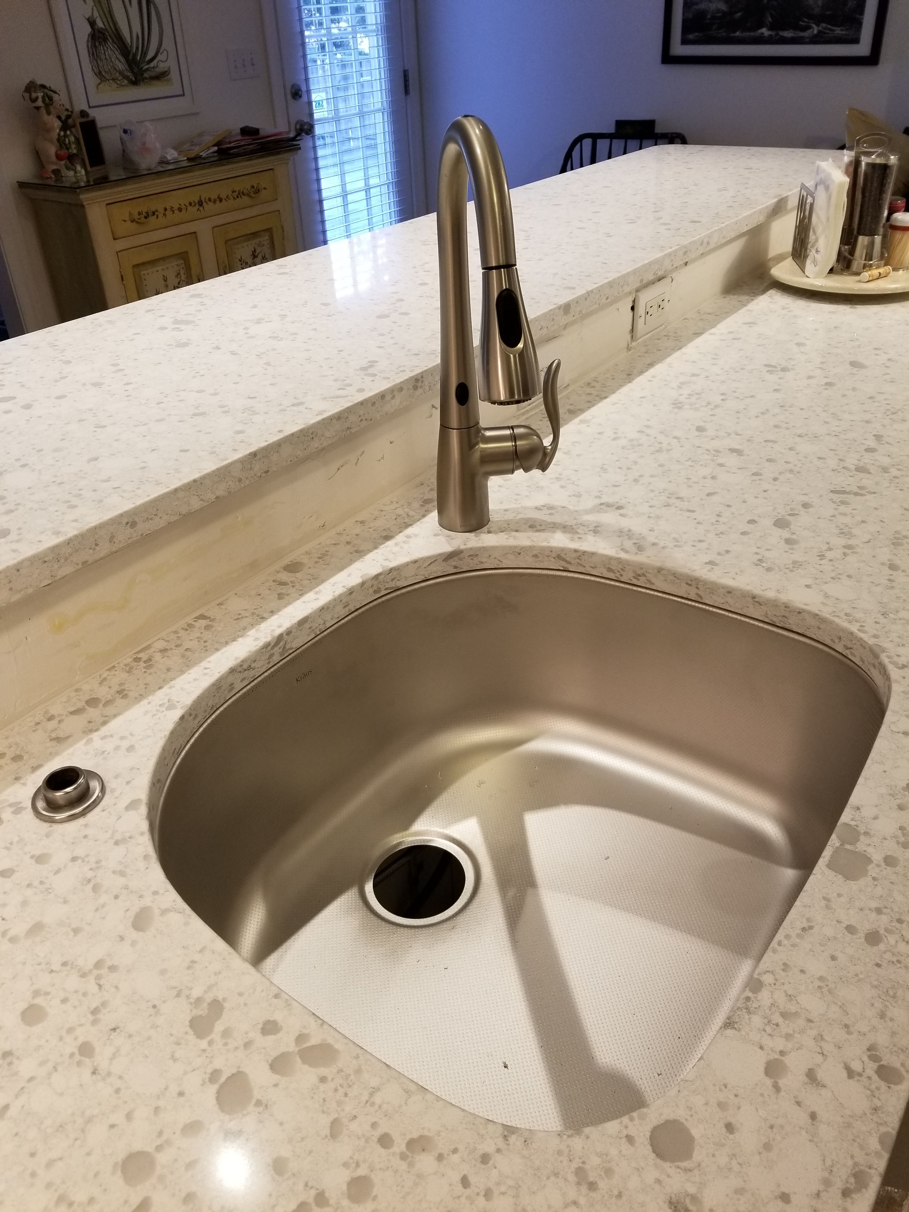 Beautiful Dupont Zodiaq Countertops In Snow Drift With An Undermount Matt Stainless Sink And Matching Faucet Stainless Sink Zodiaq Countertops Custom Kitchens