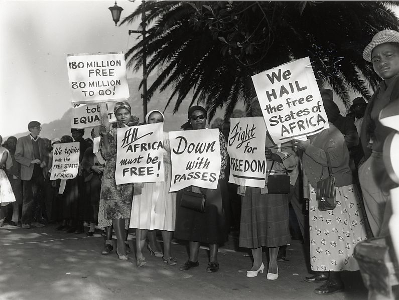On Africa Day 1962 April 16th A Group Of Women Hold Signs In Protest Of Oppression In South Africa While Other Af Apartheid South Africa Africa Apartheid