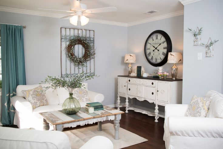 As seen on hgtv 39 s fixer upper hgtv shows experts for Living room ideas magnolia