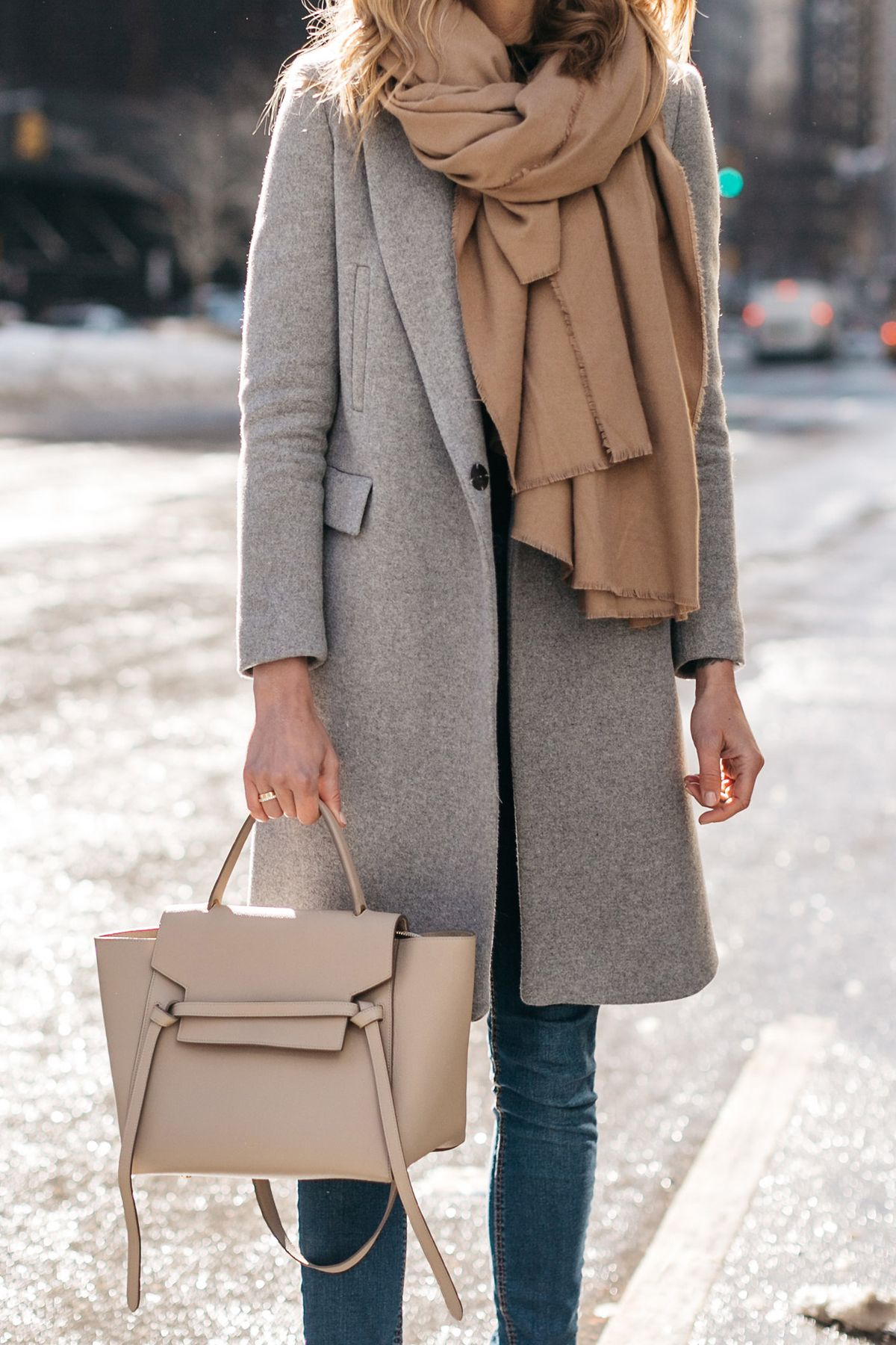 Nyfw fall winter 2017 street style grey coat tan blanket scarf denim skinny jeans celine Fashion street style pinterest