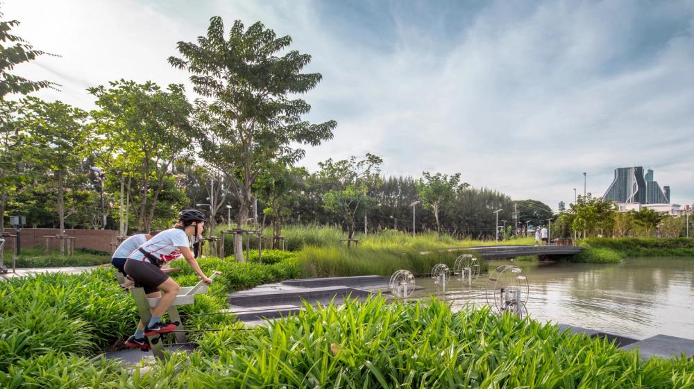 When Bangkok Floods This Park Does Something Amazing Green Park Bangkok Urban Park