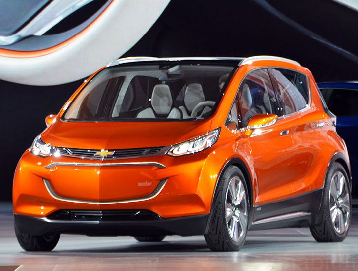 Chevrolet Unveils 30k Bolt Electric Car With A 200 Mile Range At The 2017 Detroit Auto Show Inhabitat Green Design Innovation Architecture