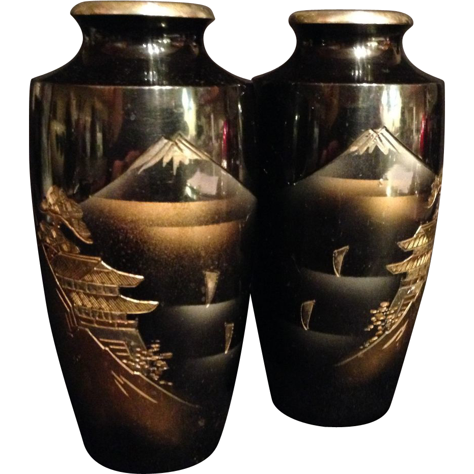Japanese vintage pair of metalware vases with mt fuji scene japanese vintage pair of metal ware vases with mt fuji fujisan scene reviewsmspy