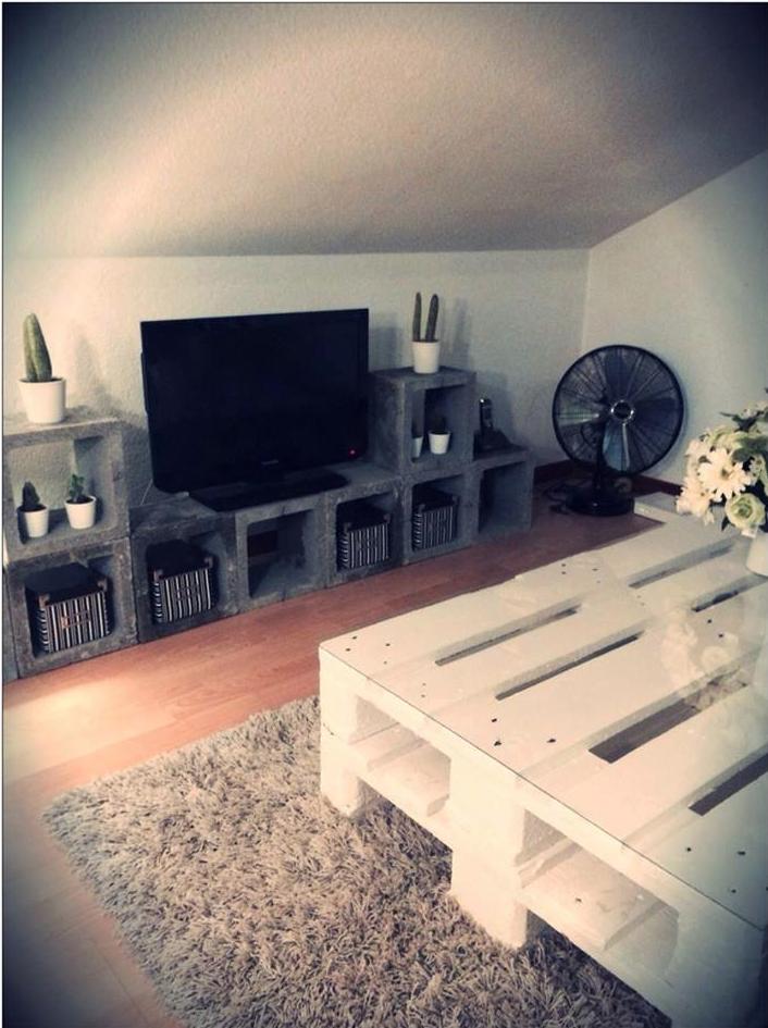 parpaings d co salon pinterest parpaing id es palettes et palette. Black Bedroom Furniture Sets. Home Design Ideas