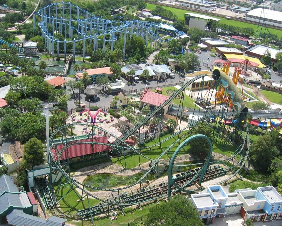 Astroworld Houston Texas Loved Going Here As A Kid Xlr8 Was The Best Ride Houston Tx Attractions Houston Texas Attractions Astroworld Houston