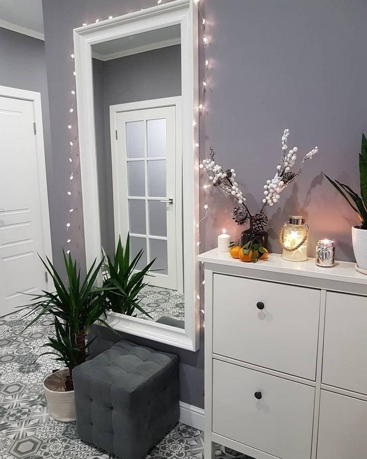 30 Ideen, wie Sie den Flur weihnachtlich dekorieren können!