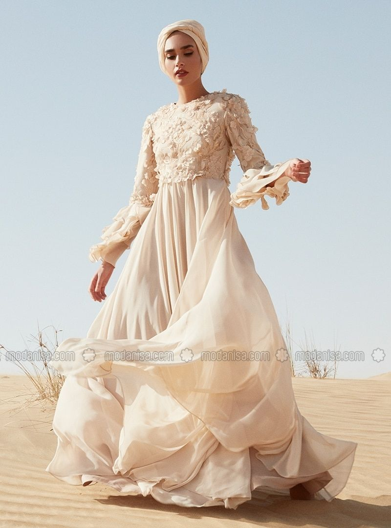 Floral Applique Evening Gown Beige Rasit Bagzibagli X Modanisa Muslim Evening Dresses Evening Gowns Gowns