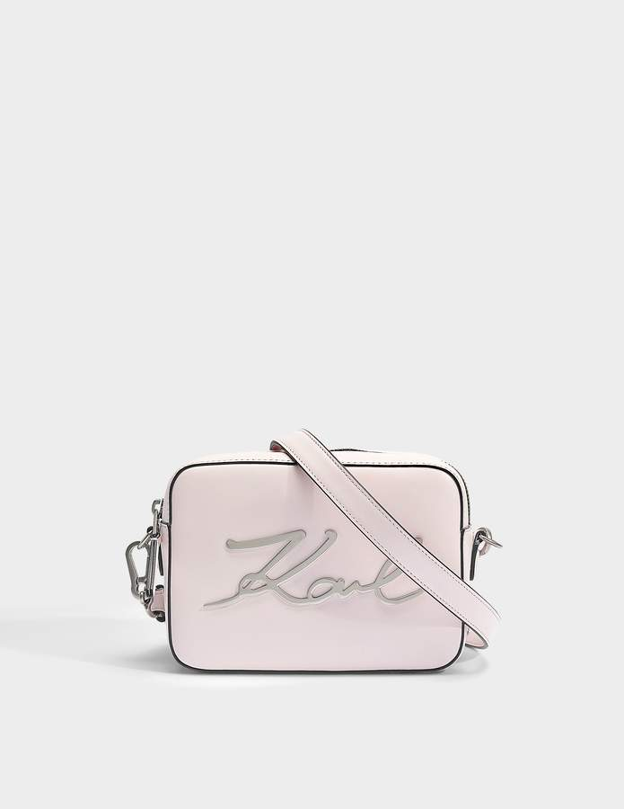Sortie Avec Ordre Paypal En Ligne Réel Pas Cher En Ligne Karl Lagerfeld Sac K / Caméra Signature En Rose Clair Cuir De Veau Lisse yUVEqRdo