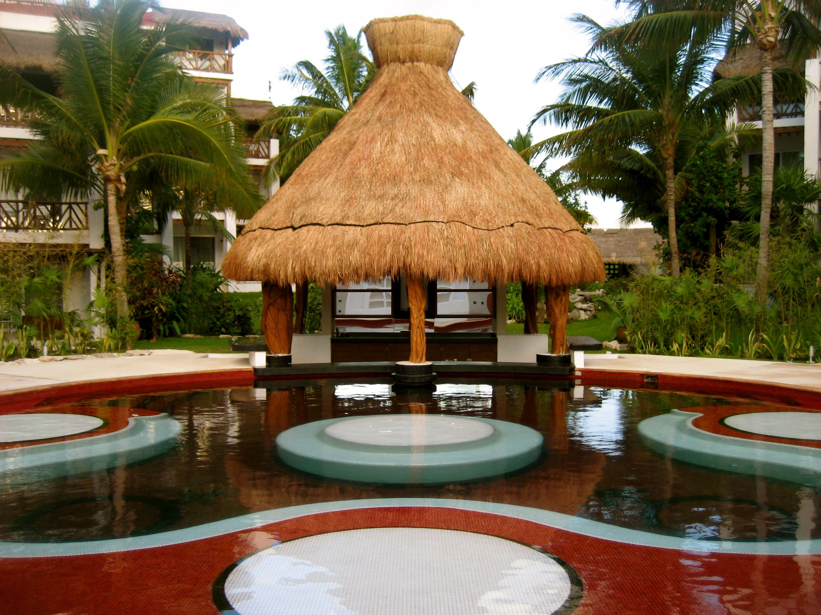 Swim up hot tub bar. Desire Pearl has thought of everything. Come to ...