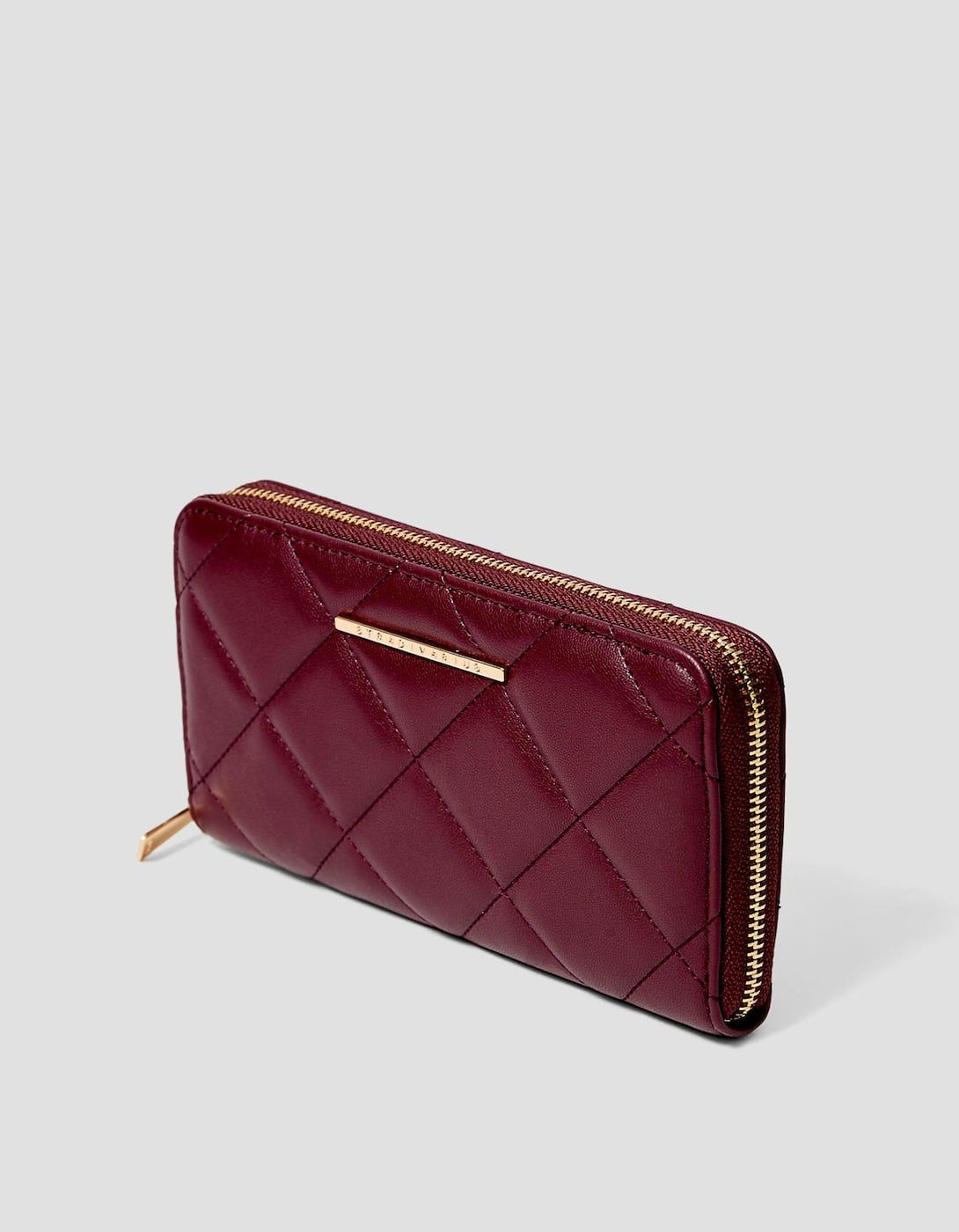 d3326732f REF. 3998/001-I2018 | View detailsQuilted zip purse | Odeca 2018 ...