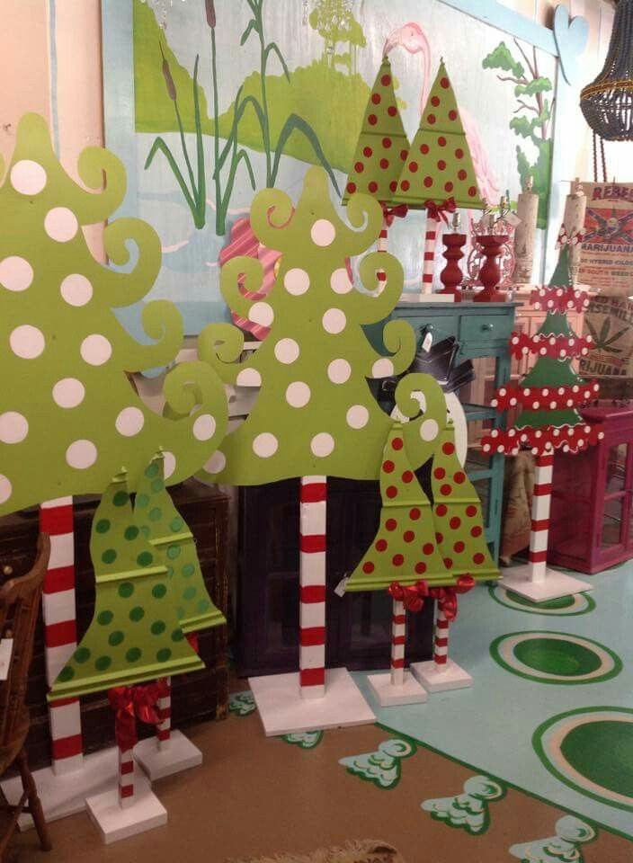Yard art (With images) | Grinch christmas decorations ...