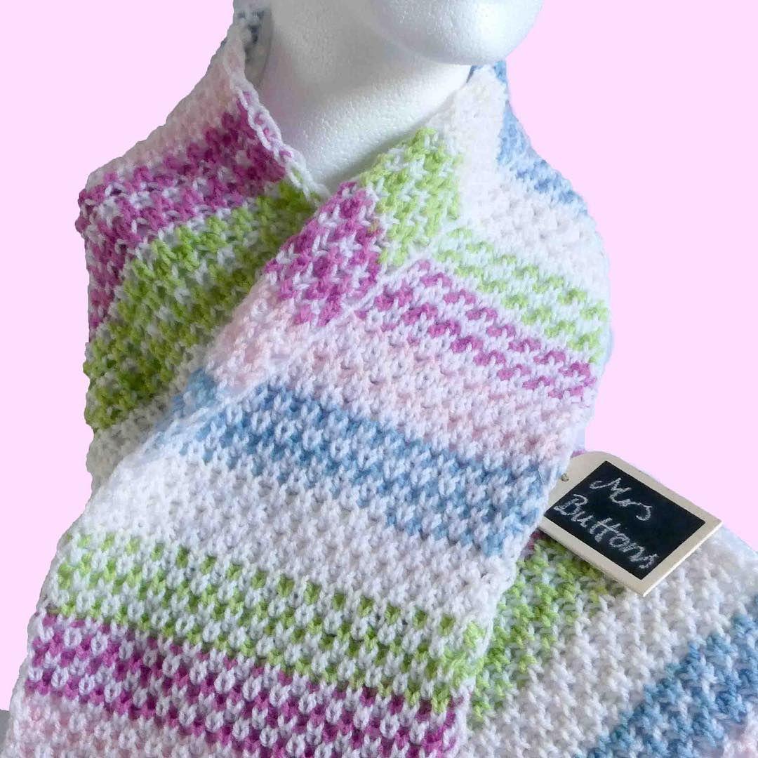 """Photo of Frau Buttons auf Instagram: """"… und dieser kuschelige Schal (Kuschelschal) ist jetzt auch erhältlich. www.mrsbuttonsdesigns.wordpress.com oder auf Ravelry.com #knitknitknit # stricken… """""""