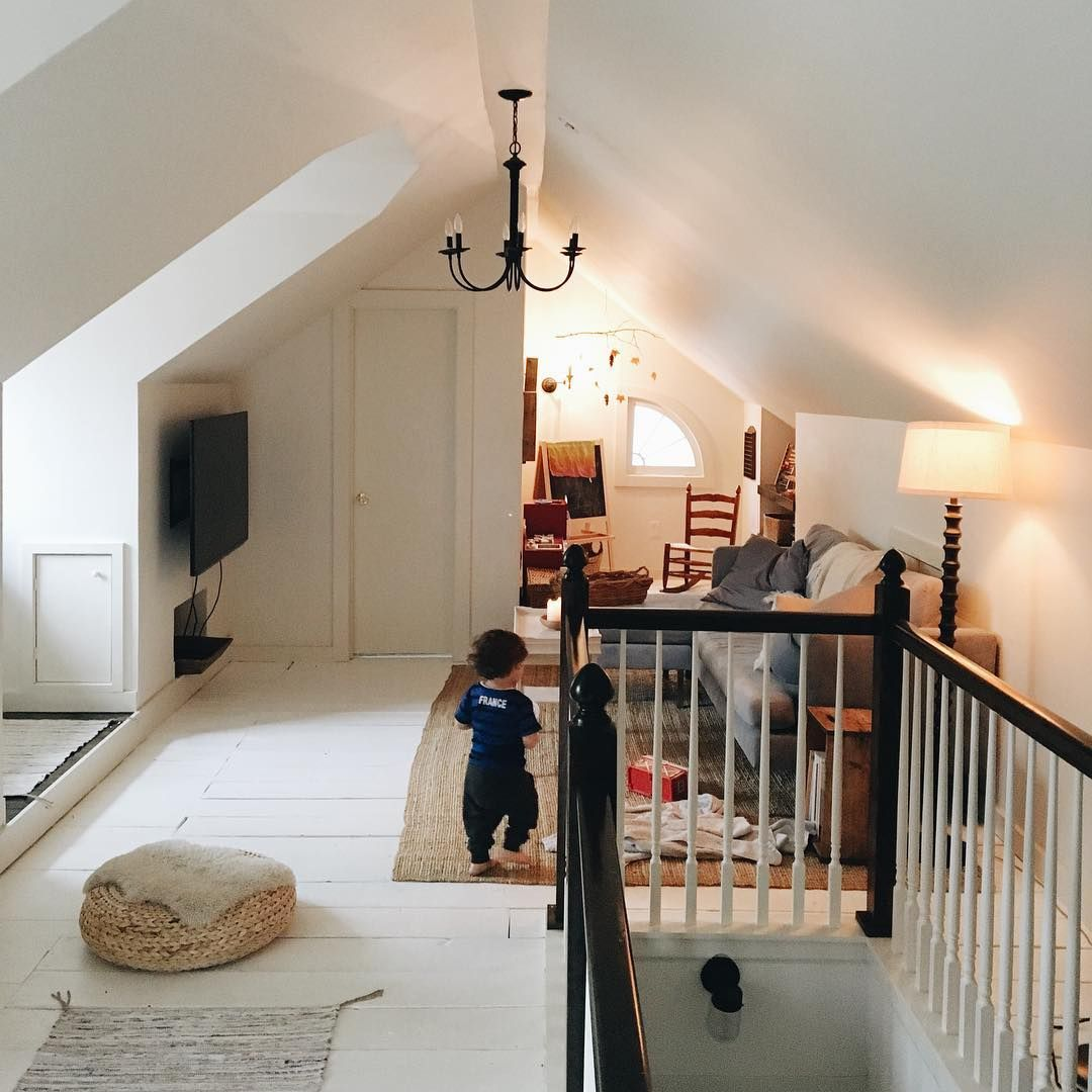 6 935 Likes 107 Comments Amanda Watters Mamawatters On Instagram It S Gonna Be A Cozy Rainy Day Maybe O Home Attic Renovation Loft Spaces