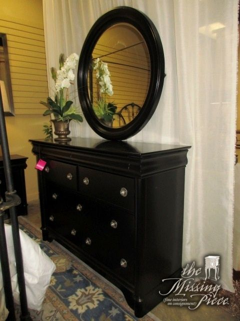 Rooms To Go Dresser W Round Mirror In Black There Are Nine Drawers On This Piece Great Amount Of Storage Space 54 L Storage Spaces Rooms To Go Round Mirrors