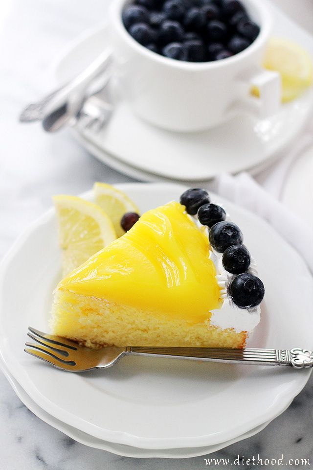 Lemon Curd-Topped Lemon Cake   www.diethood.com   Sweet and delicious Lemon Cake topped with a bright and creamy Lemon Curd. Citrus-Lovers, REJOICE!