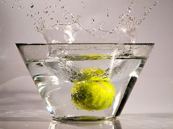Splash in yellow. Art photography by StegoPhotoStore on Etsy, €4.90