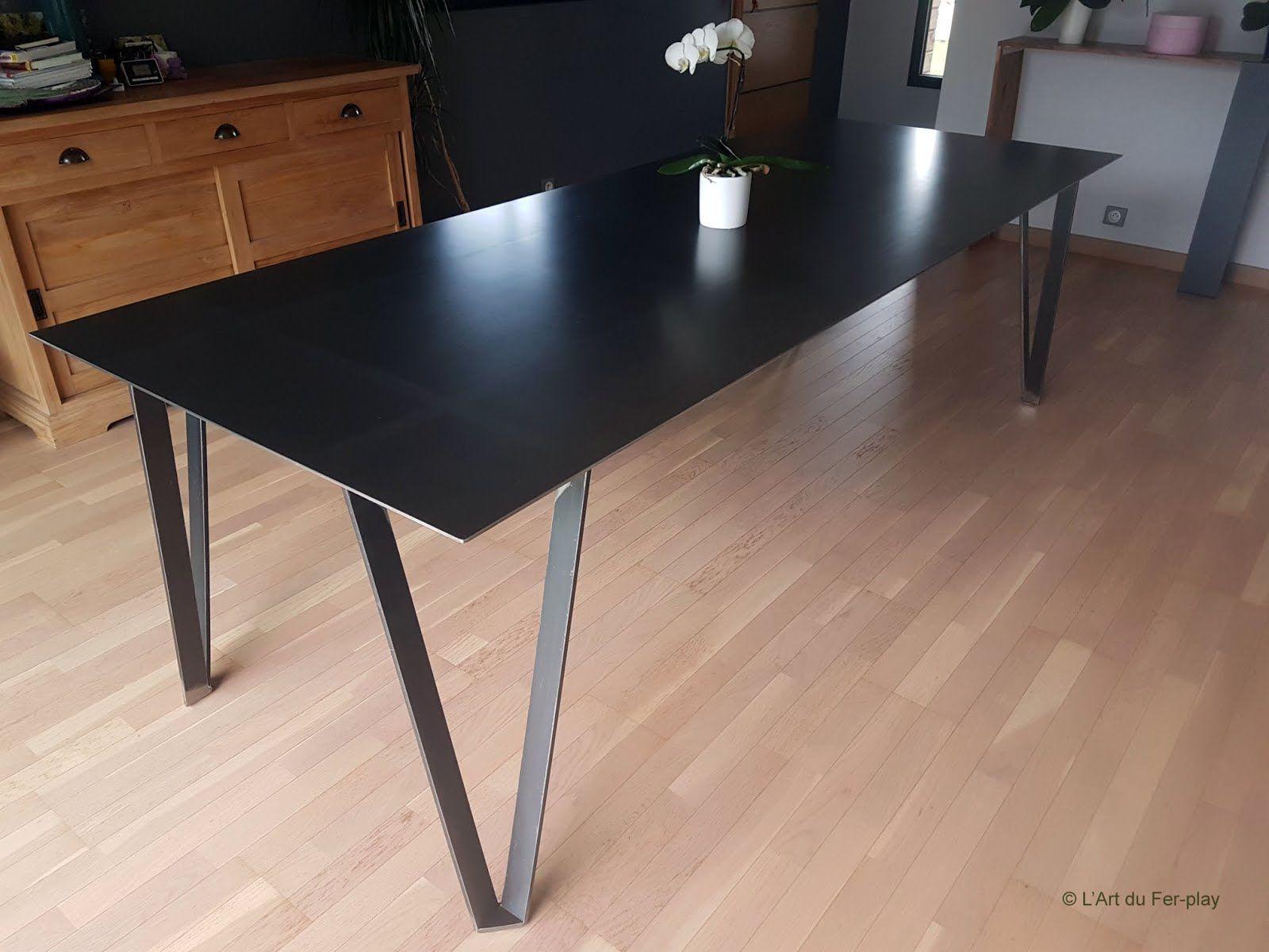 Table Tout Acier Fine L G Re Et Rigide Plateau En T Le  # Modele Des Tables Pour Television Plasma En Fer Forge