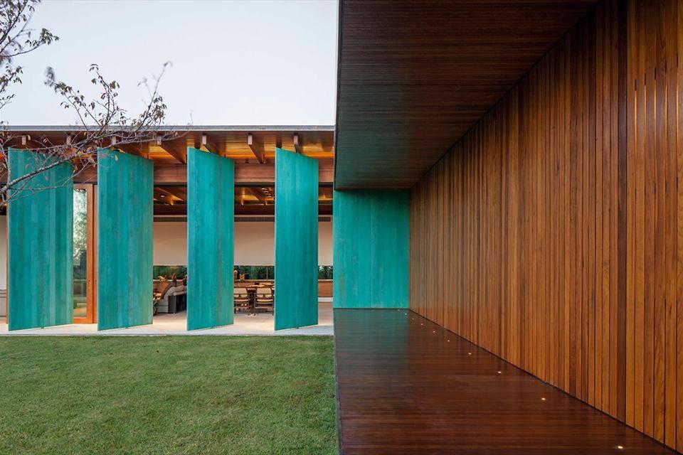CASA GCP Escritório: Bernardes Arquitetura Foto/Imagem: Leonardo Finotti Via: Galeria da Arquitetura