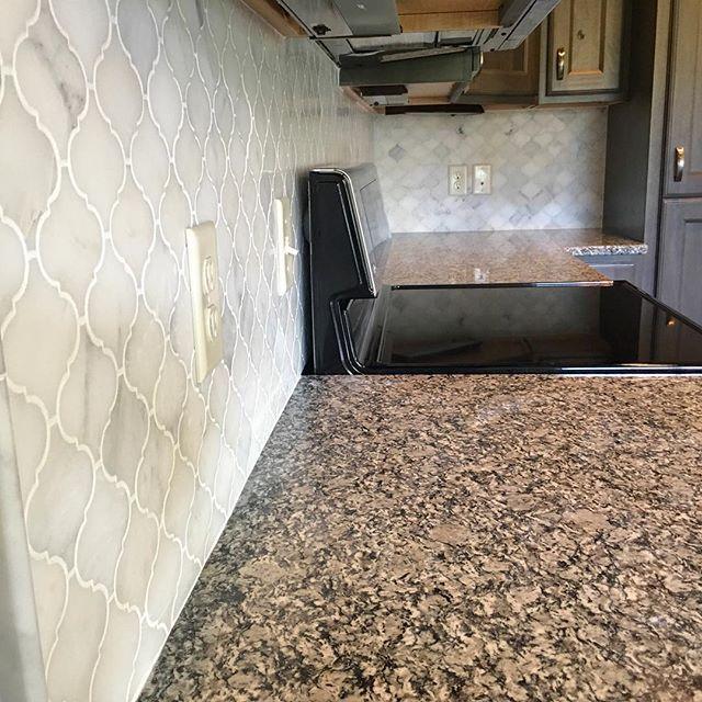 Italian Backsplash Tile: White Italian Venato Carrara Arabesque Moroccan Marble