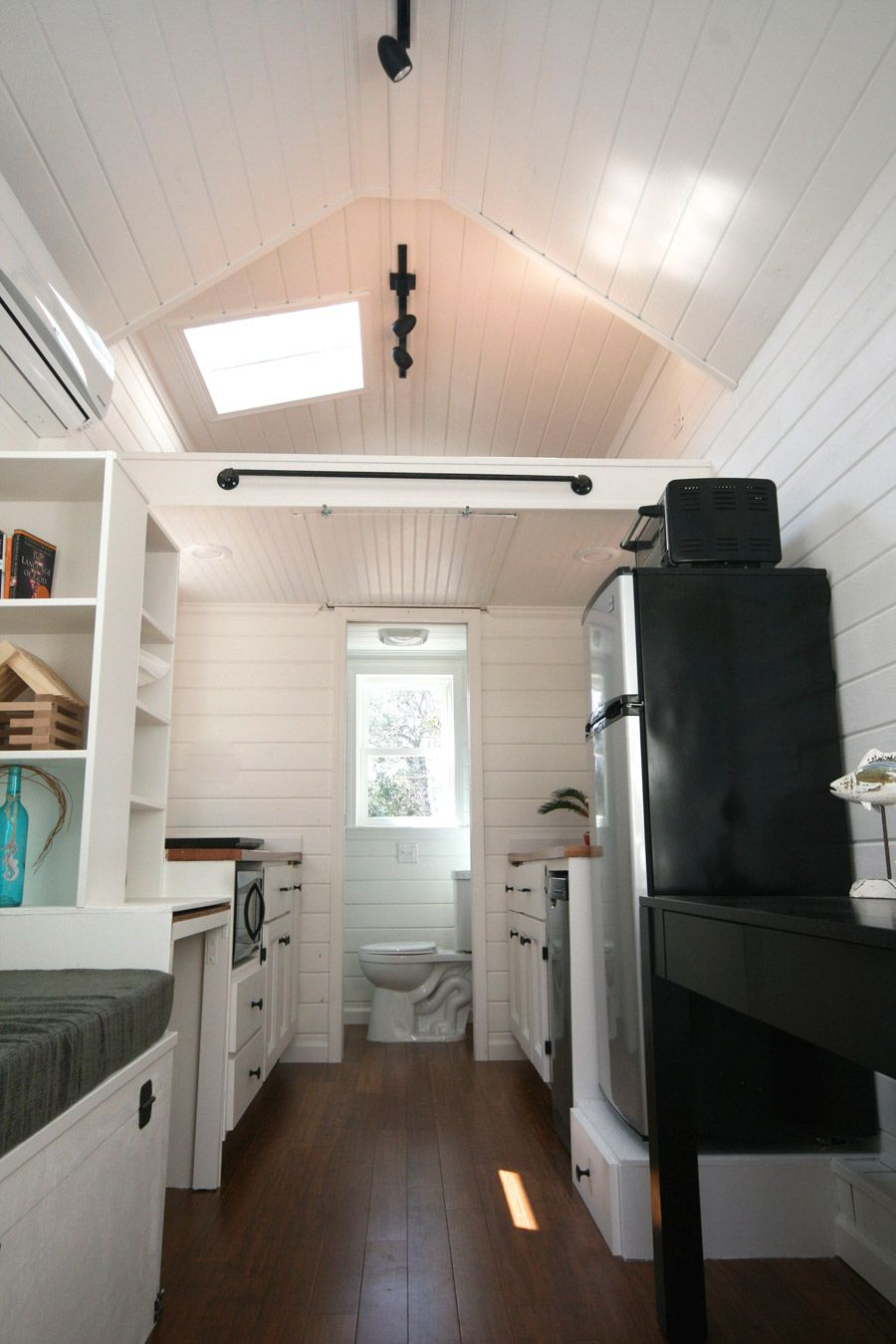 160 Square Foot Tiny House (as Tiny As It Is, It Still Has A Washer/dryer,  Shower, Bathtub, Full Fridge, Microwave, And More!)