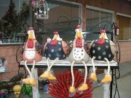 Resultado de imagem para pintura de galinha em madeira