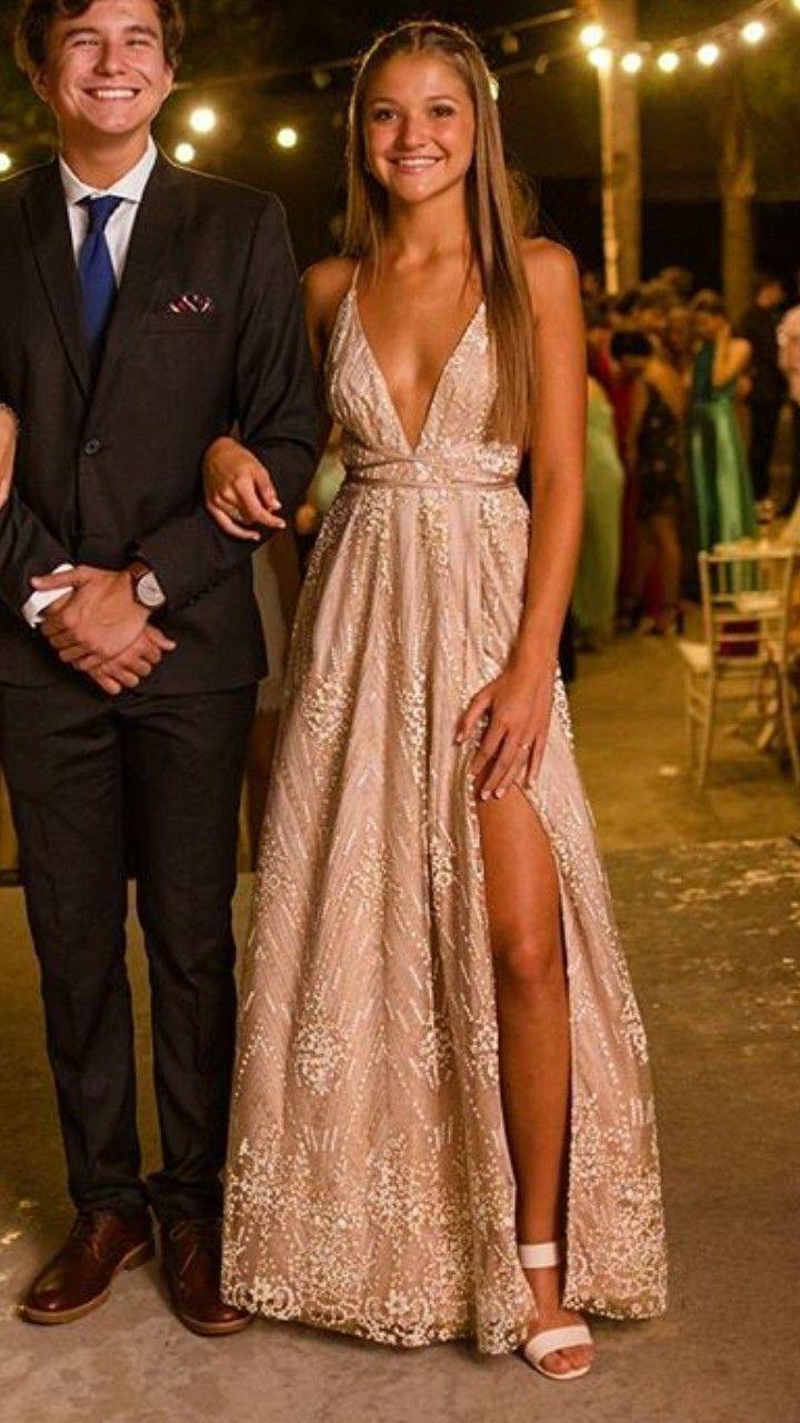 Schauen Sie, eine sexy Berührung ist nie eine schlechte Sache. #fancydress