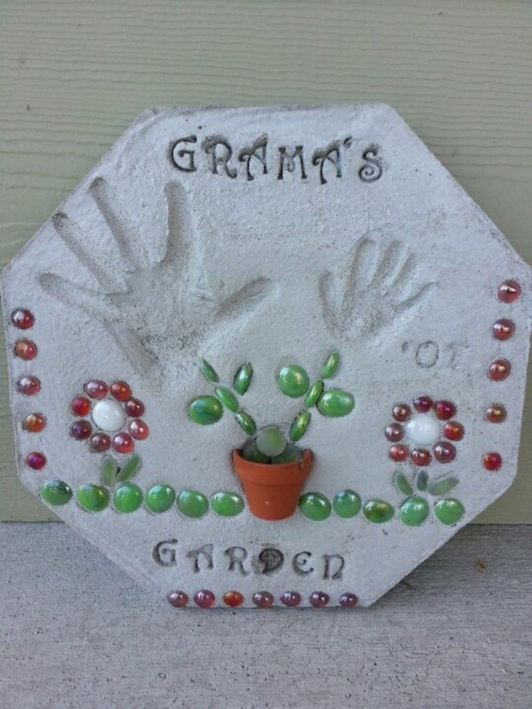 Make Your Own Hexagon Stepping Stones The Owner Builder Network Crafts Mothers Day Crafts For Kids Stepping Stones Diy