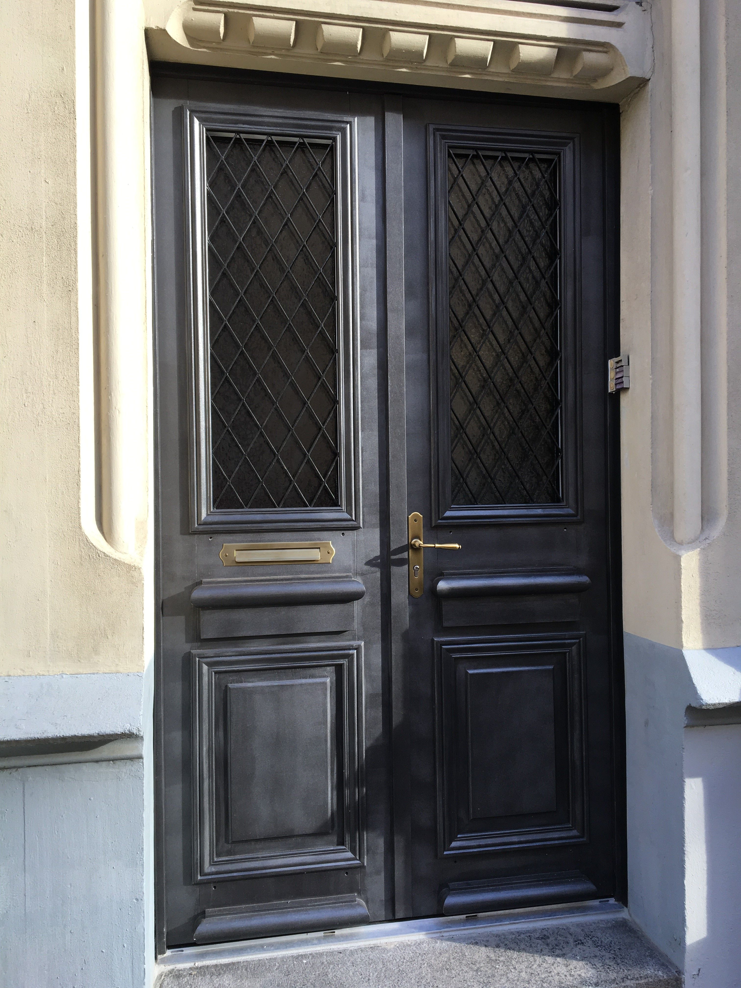 Porte D Entr E Atulam Deux Vantaux R Alis E Sur Mesure Porte ~ Comment  Rénover Une Porte Du0027entrée En Bois