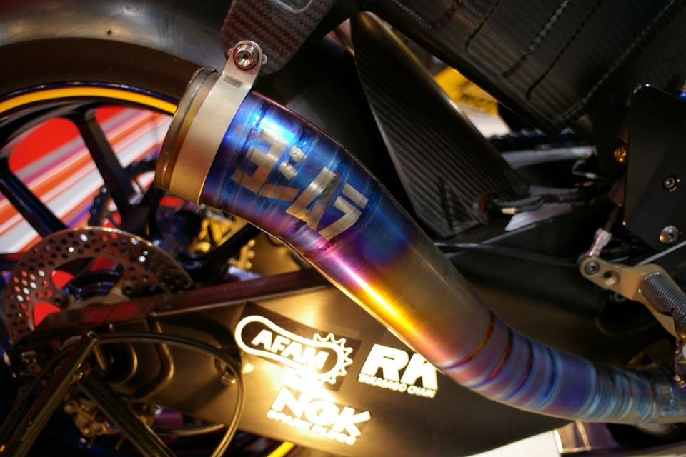Yoshimura custom Suzuki MotoGP exhaust | Bikes | Moto bike