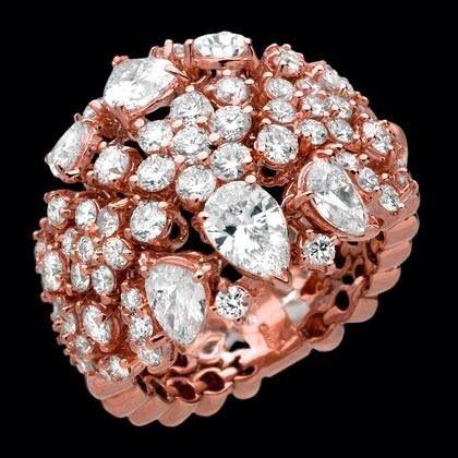 Un gioiello dedicato ad una donna unica ed elegante. #diamanti #manettifirenze
