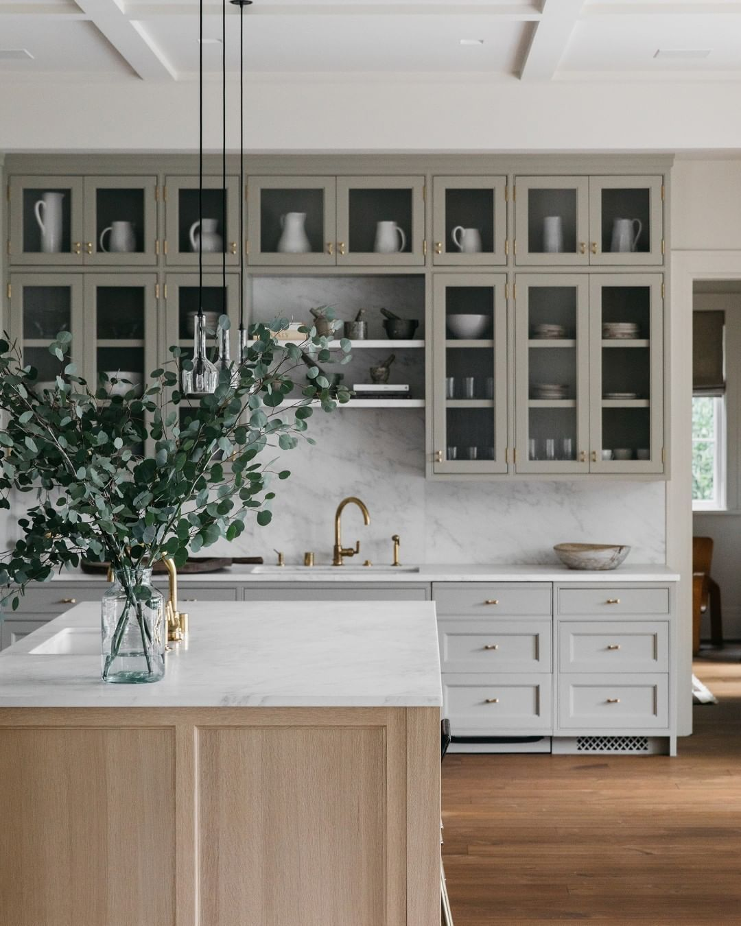 Waterworks On Instagram The Stunning Subtleties In The Kitchen Of Galerieprovenance With Henry Create In 2021 Kitchen Design Plans Kitchen Remodel Kitchen Design