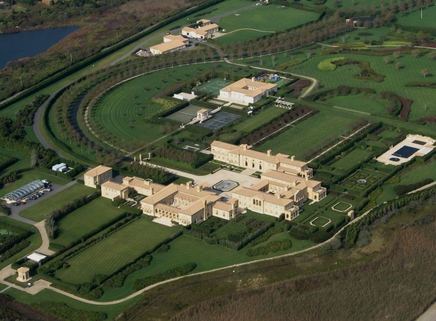 The Largest House In America The Ira Rennet Mansion In The