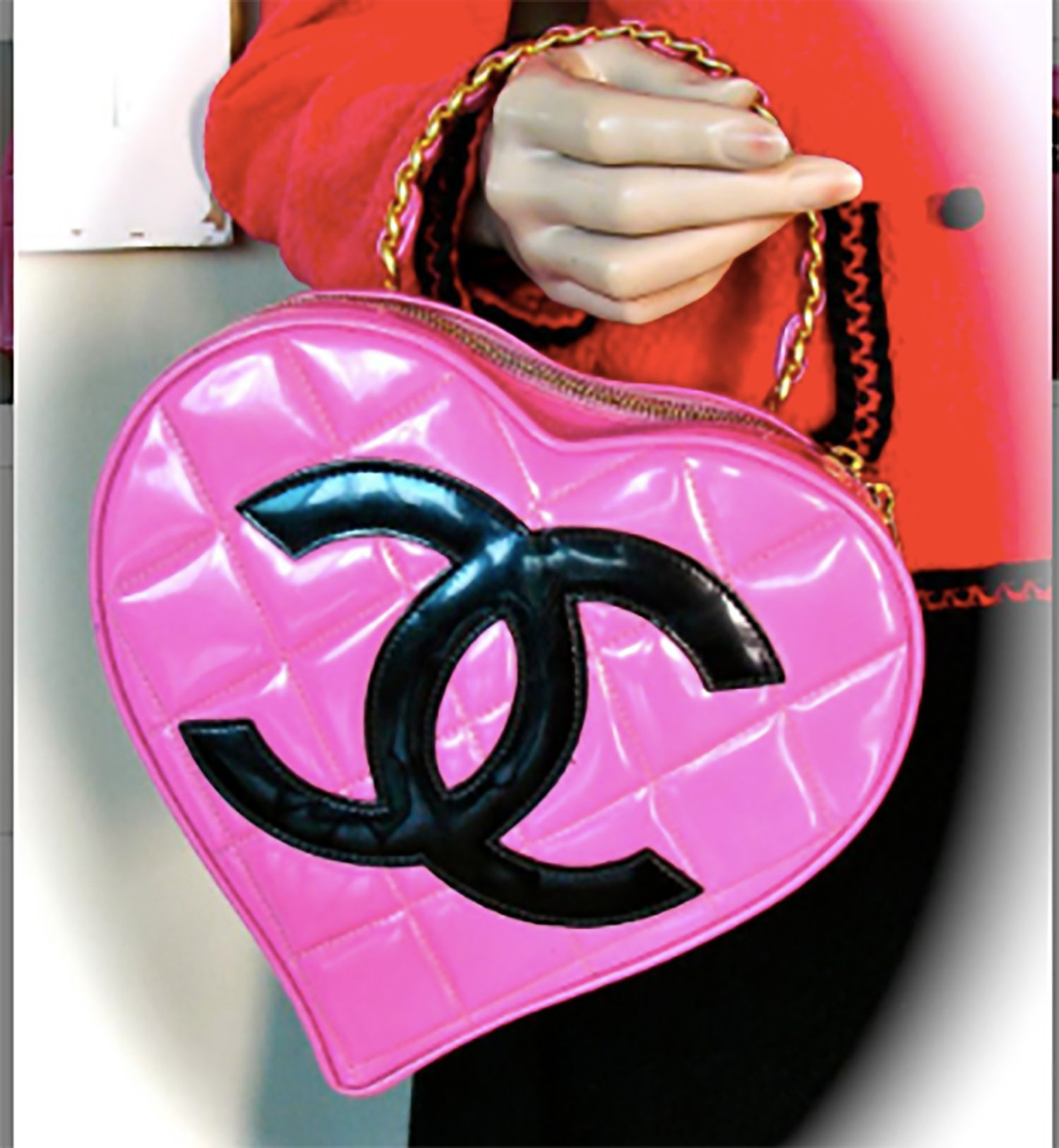 Throwback to this fab quilted heart bag by Chanel